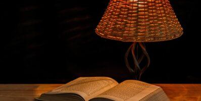 Lampa nad stół w jadalni i salonie - jak ją wybrać?